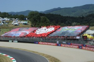 Valentino Rossi Tribute 2012 Tribuna Mugello (photo source Desmodromiclub Roma Facebook)