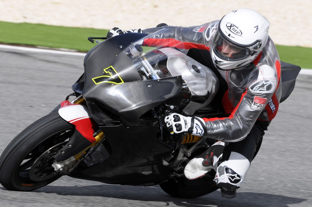 Chaz Davies Tests the SBK 1199 Panigale Superbike at Portimao
